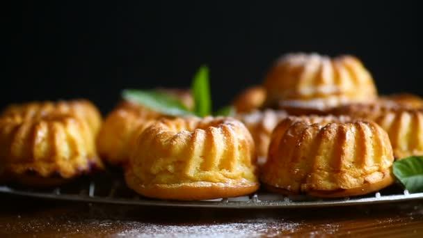 muffin sladký tvaroh v cukru prášek
