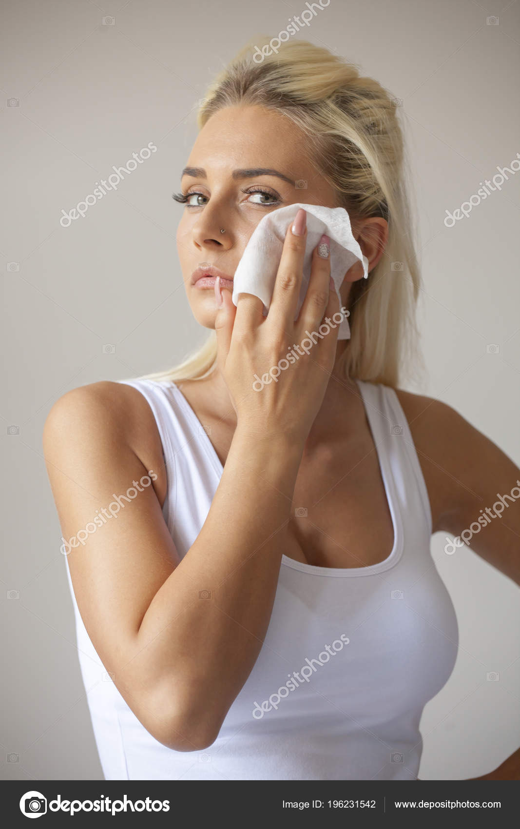 Young Woman Clean Face Eyes Wet Wipes Remove Make Body — Stock Photo ... 9b82f8fb3