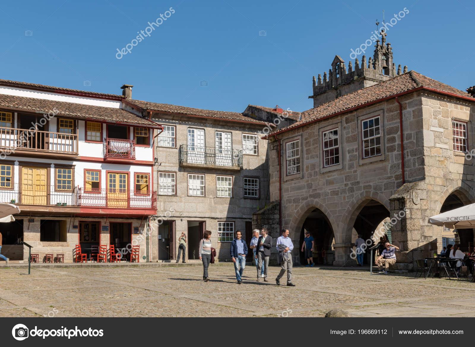 Guimarães Portugal Cerca Abril 2018 Santiago Praça Centro Histórico ... 8e9ce0b04de03