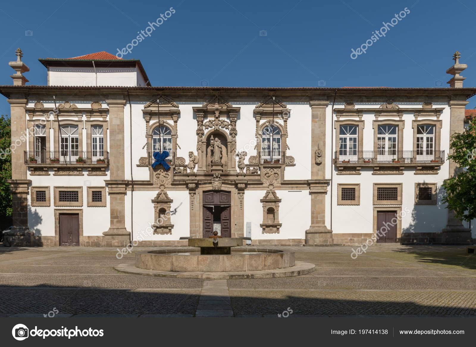 Guimarães Portugal Cerca Abril 2018 Arquitetura Centro Histórico ... c9213459f1837