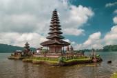 Photo Pura Ulun Danu Bratan Temple, Bedugul Mountains, Bratan Lake, Bali, Indonesia