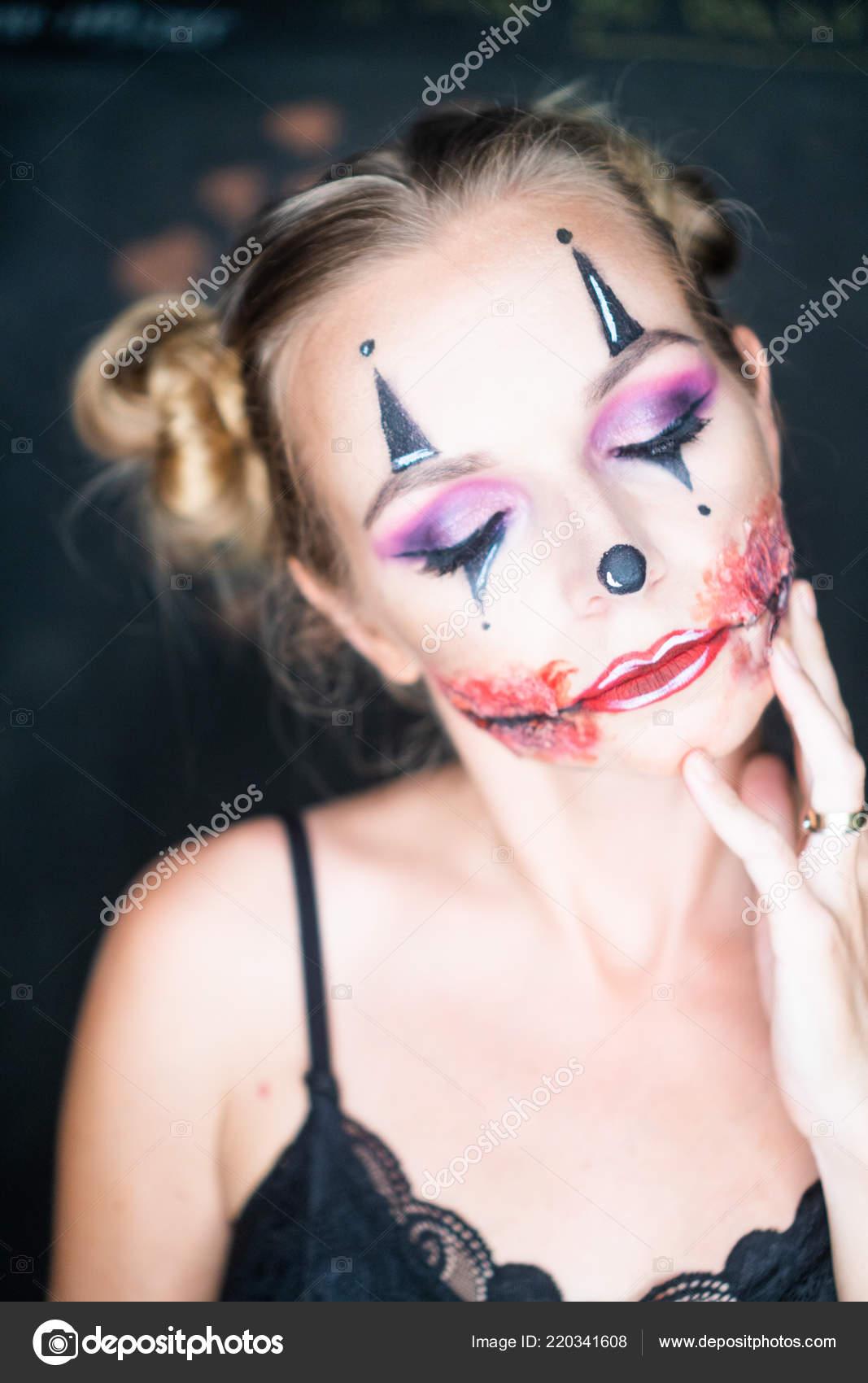 Gros Plan Visage Femme Avec Maquillage Clown Halloween