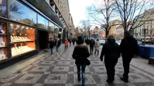 Praha, Česká republika - 8 prosince 2018: národy na Václavském náměstí na adventní čas Vánoc. 8. prosince 2018 Praha, Česká republika