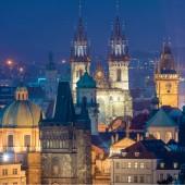Fantastický pohled noc památek-Praha - střechy, hrady a kostely kopule, Czeh, Evropa