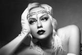 beautiful woman retro flapper style woman black and white foto, roaring 20s