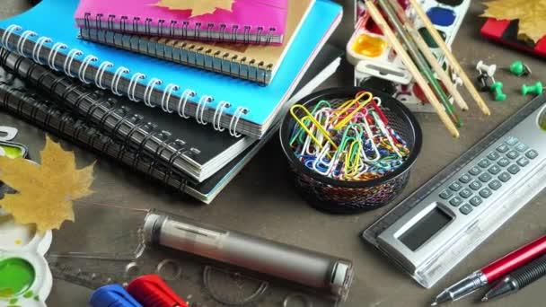 zurück zur Schule. Schulmaterialien für Unterricht und Unterricht.