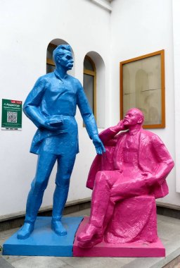 MOSCOW, RUSSIA JULY 7, 2018: Painted sculptures of Vladimir Lenin and Maxim Gorky on the opening Day in the Kremlin Izmailovo.