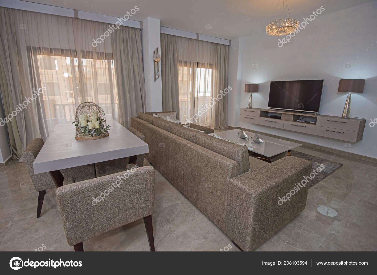 Sala Lounge Con Mesa Comedor Diseño Interiores Decoración Decoración ...