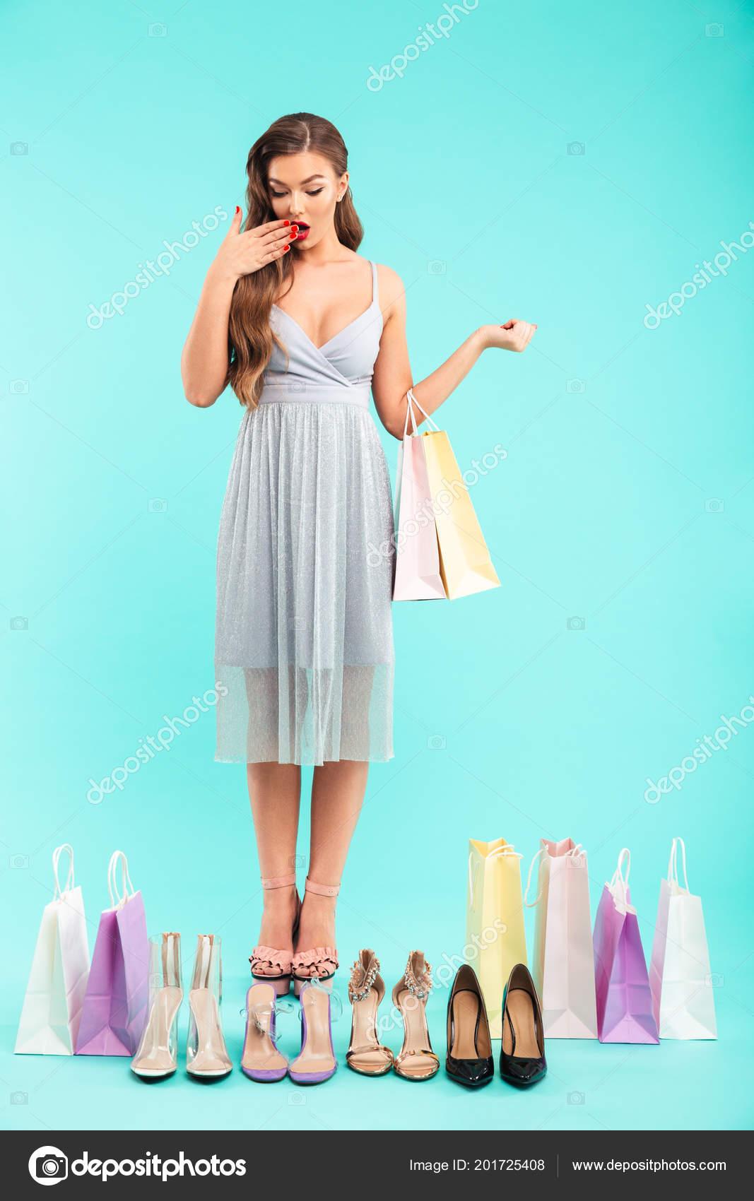 b97bbb1ba0af Foto Cuerpo Entero Mujer Joven Shopaholic 20S Vestido Comercial Dudar —  Fotos de Stock