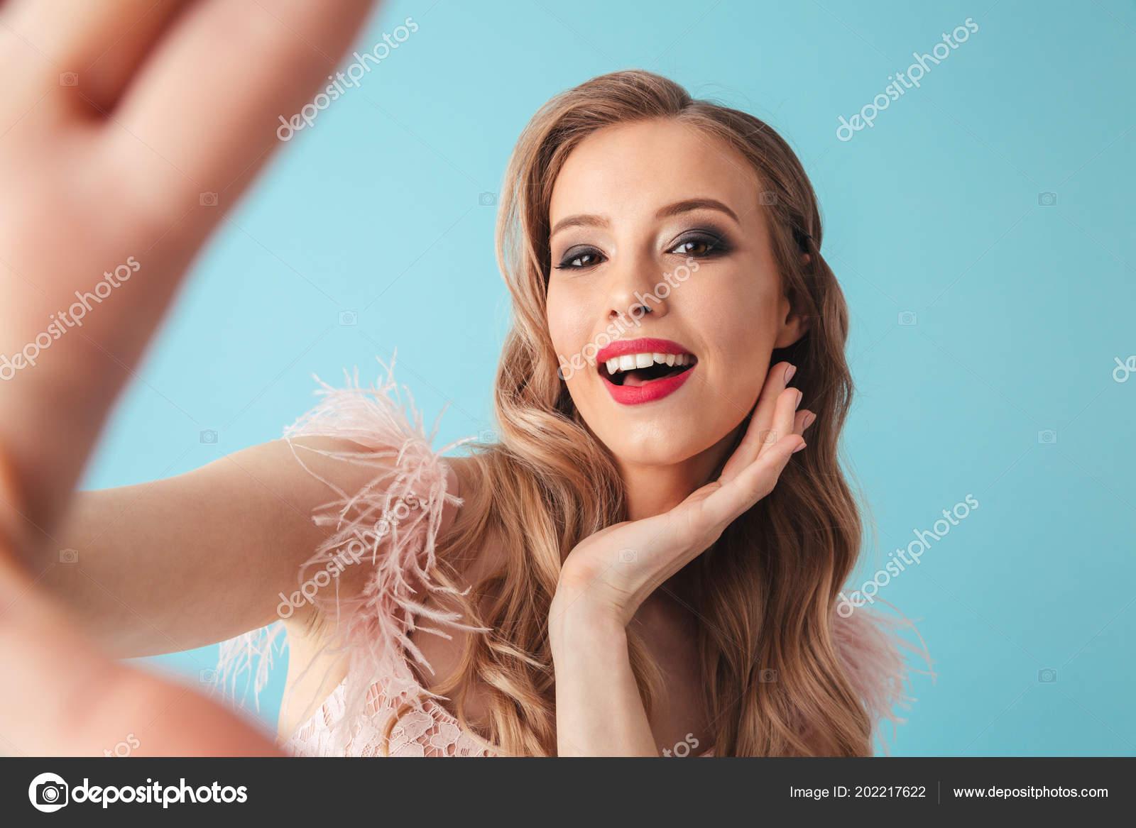 blondinka-delaet-priyatno-foto