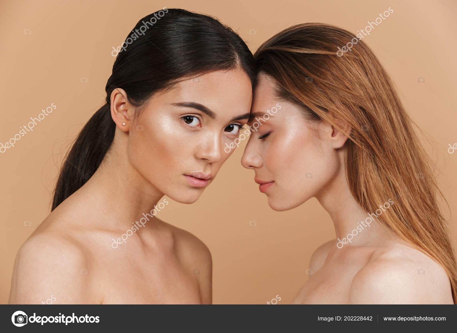 Διαφυλετικό ασιατικό σεξ φωτογραφίεςπέος με μεγάλο κεφάλι