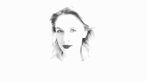 Gyönyörű nő haja fúj a szél. Változás az érzelmek. Fekete-fehér vázlat. Lassított mozgás.