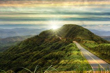 """Картина, постер, плакат, фотообои """"красивая дорога с рассветом и красивым цветом страны"""", артикул 243833602"""