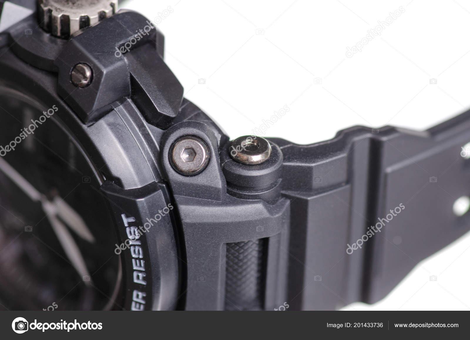 5a06daacf91 Preto relógio com macro de esporte de pulseira de borracha — Fotografia de  Stock