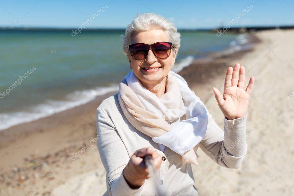 Женщины пожилого возраста желающие познакомиться на пляже — pic 9