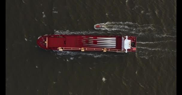 Containerschiff im Export und Import. internationale Seefracht.