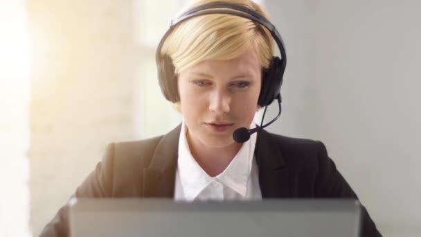 Woman Consultates Online