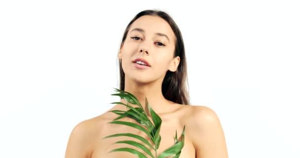 Žena s Palm větev na bílém