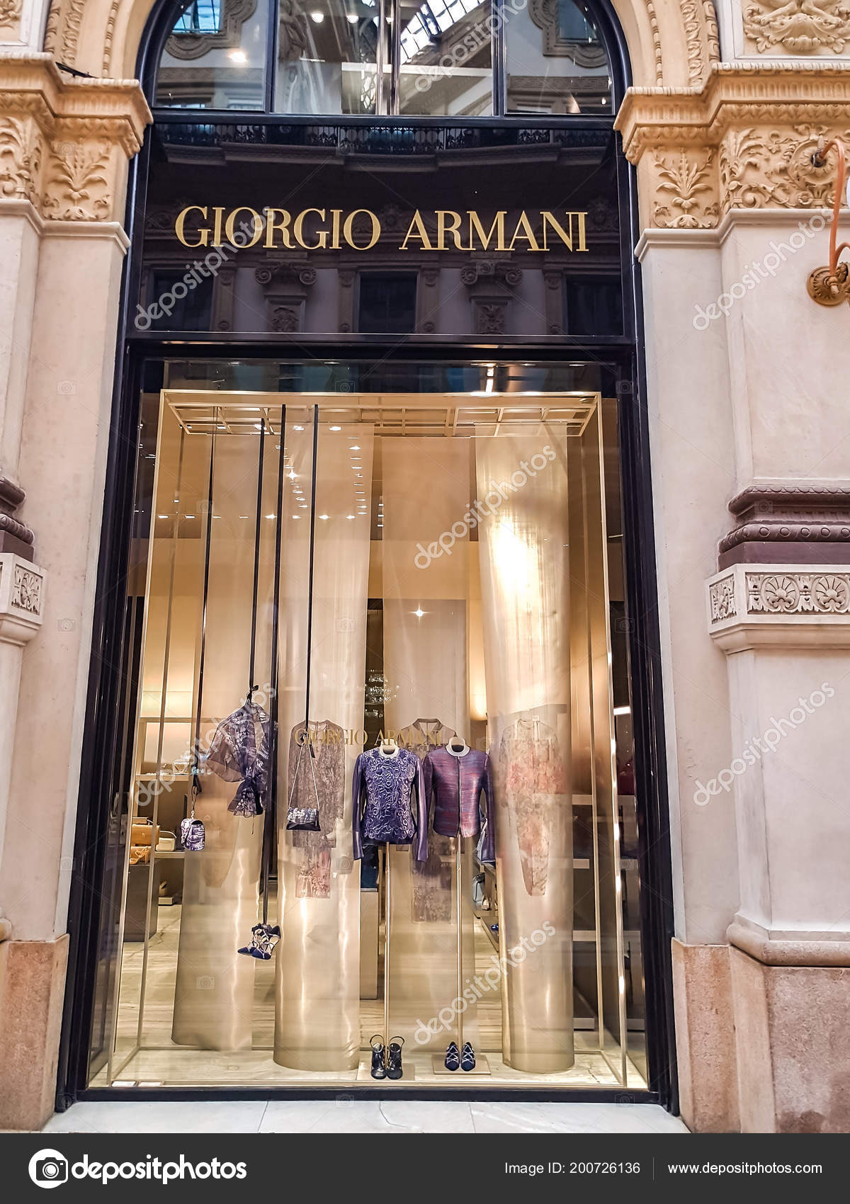 406c48d92 Milan Italie Avril 2017 Magasin Détail Armani Milan Italie Giorgio ...