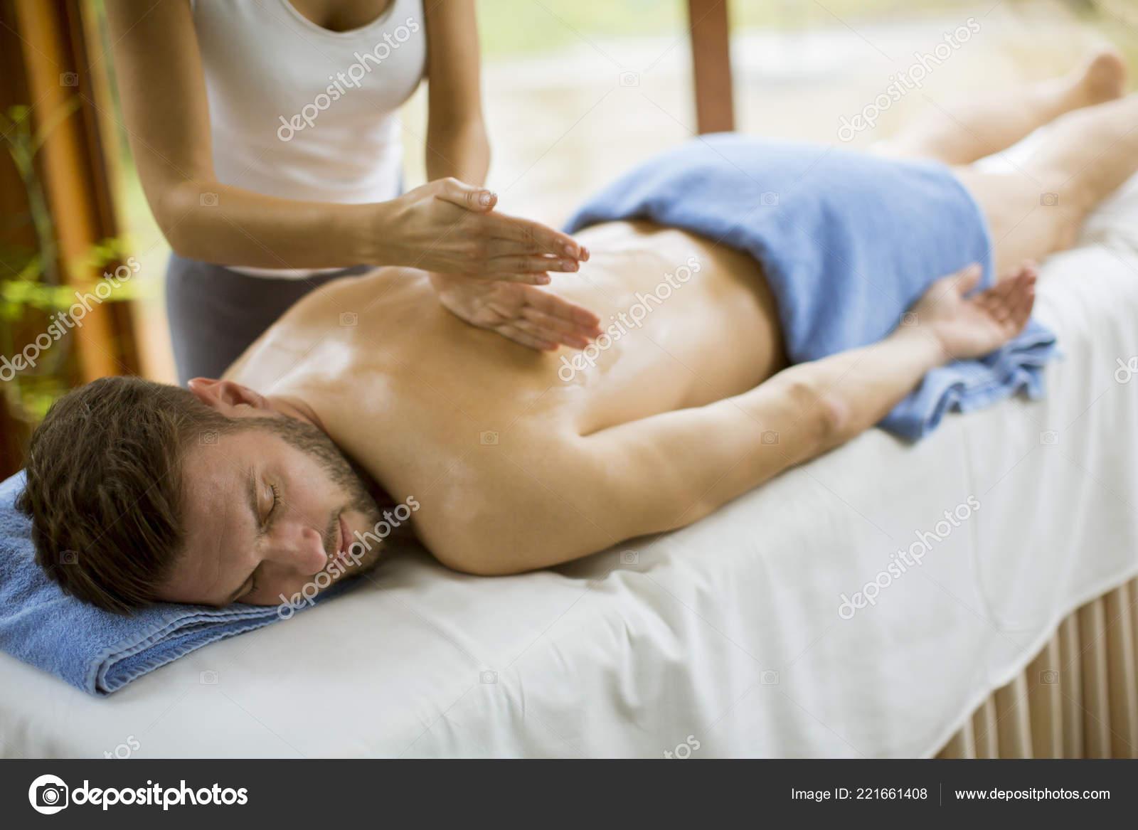 Секс принудительный на массаже, Порно видео с массажем, делает массаж парню 16 фотография