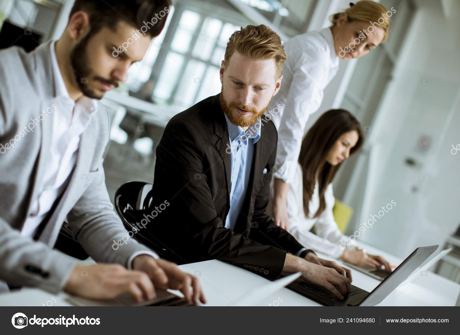Group Business People Sharing Ideas Office Stock Photo Boggy22