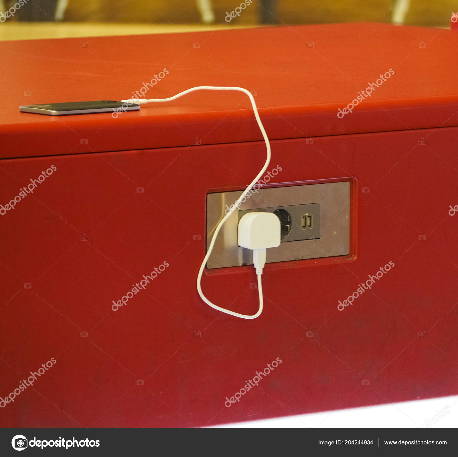 Free Mobile Phone Battery Charger European Power Sockets Usb