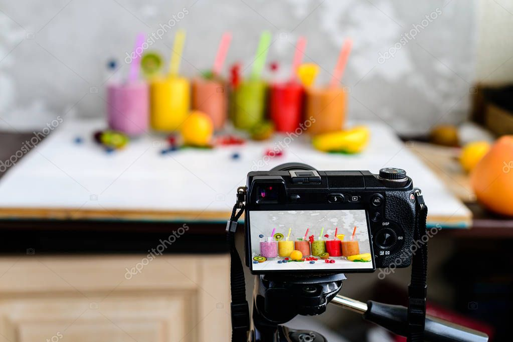camera shoots smoothies of fresh fruit