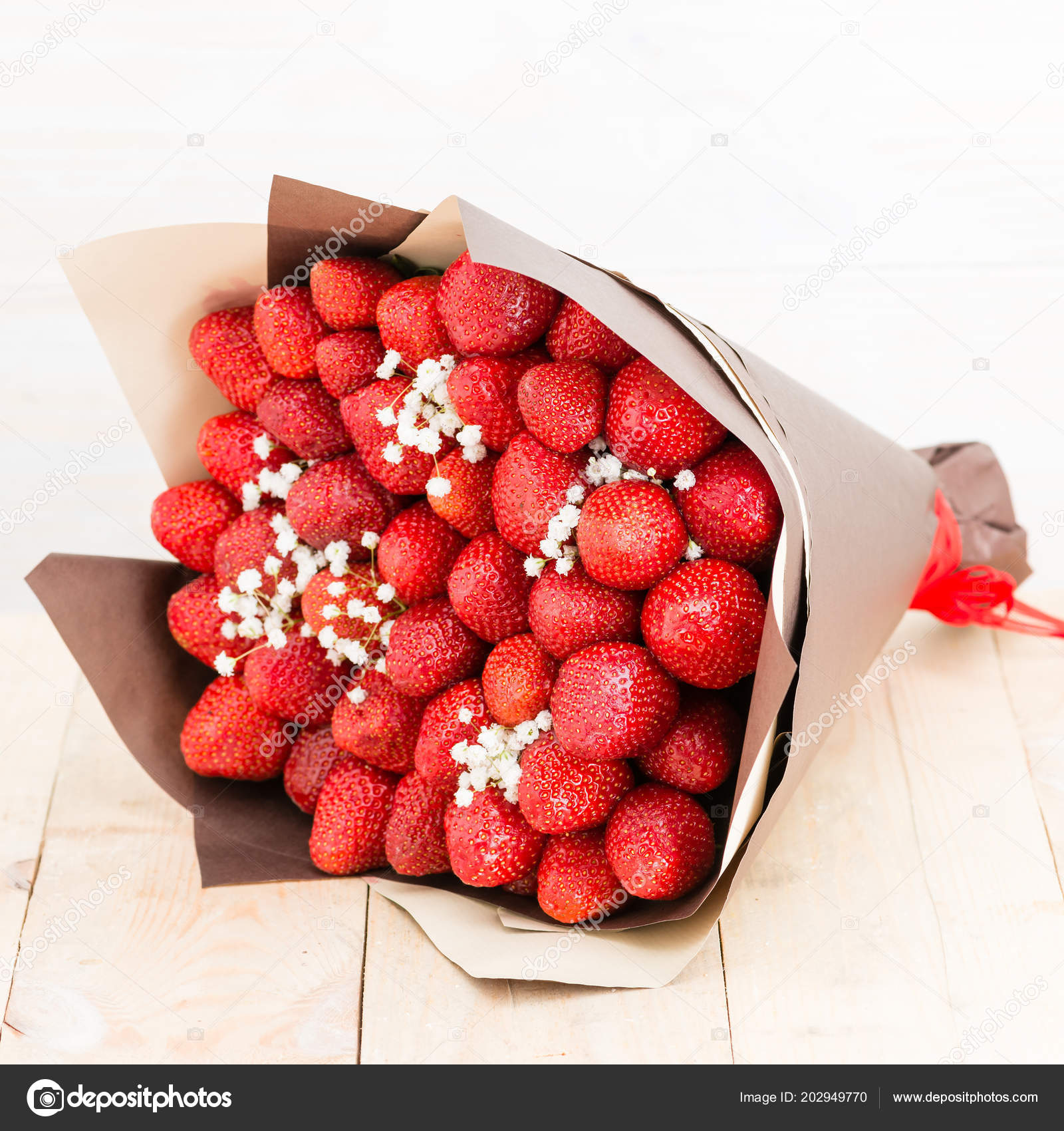 Croissant Bouquet of strawberries — Stock Photo © smspsy #202949770 EQ-97