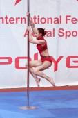 Minsk, Bělorusko - leden 12-13, 2019: Festival letecké akrobacie Polygon u atletiky sportovního areálu