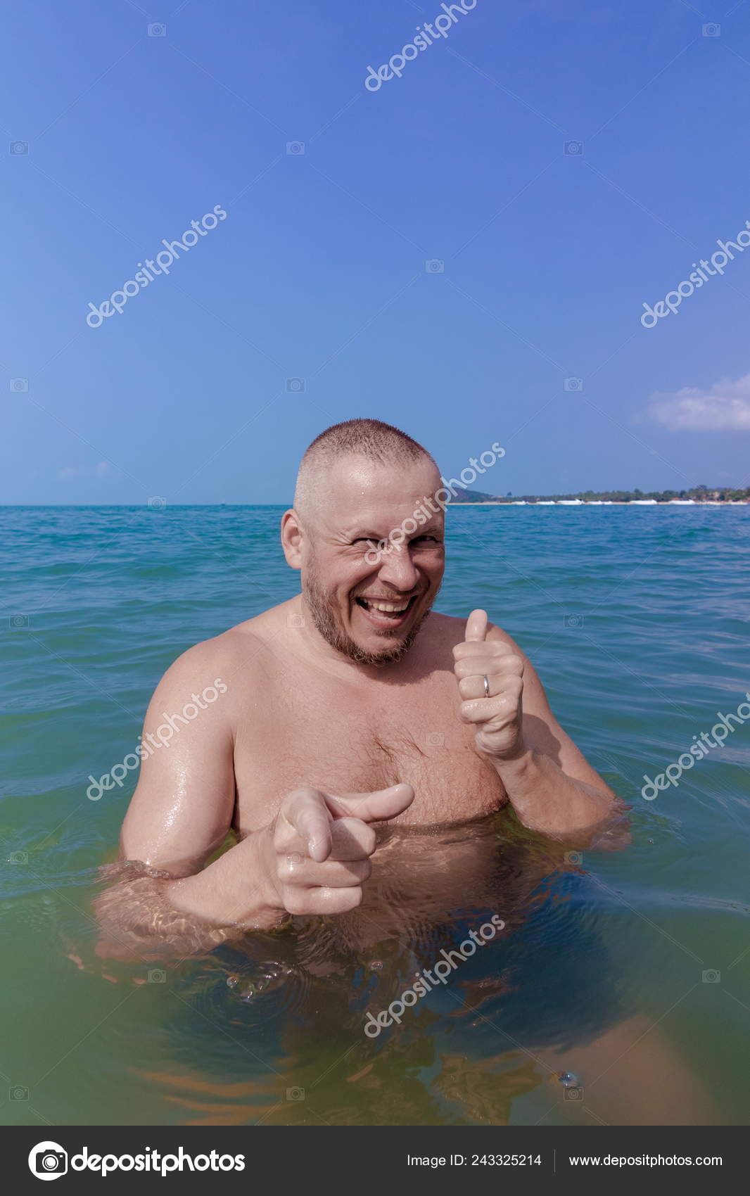 picture of nude man at beach