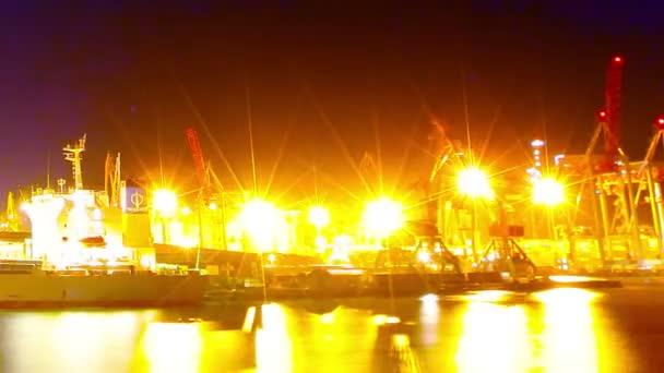 Nachthafen. Zeitraffer. Sommer