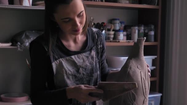 keramik bije produkt s speciální čepel, dolly shot