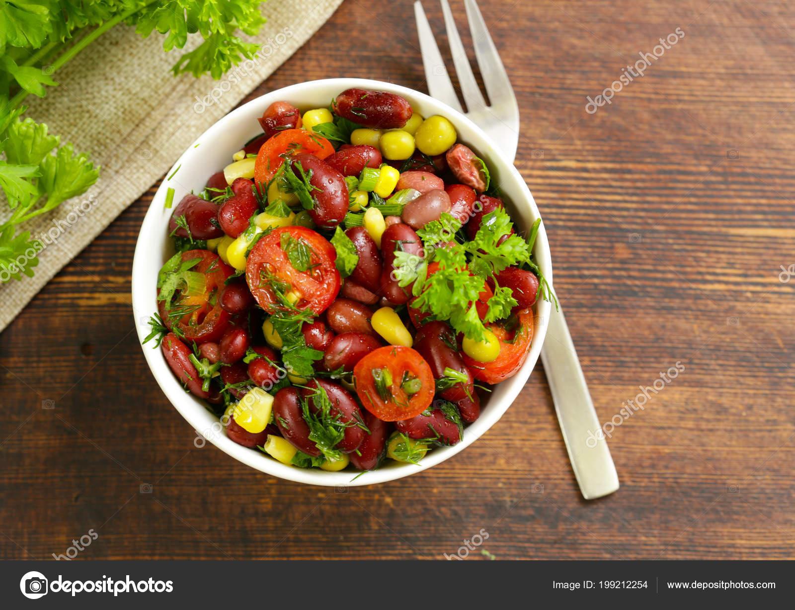 салат фасоль красная помидоры