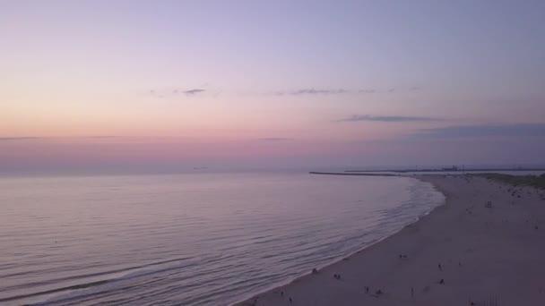 Ostseeküste Strand ventspils kurzeme Luftdrohne Draufsicht 4k uhd video