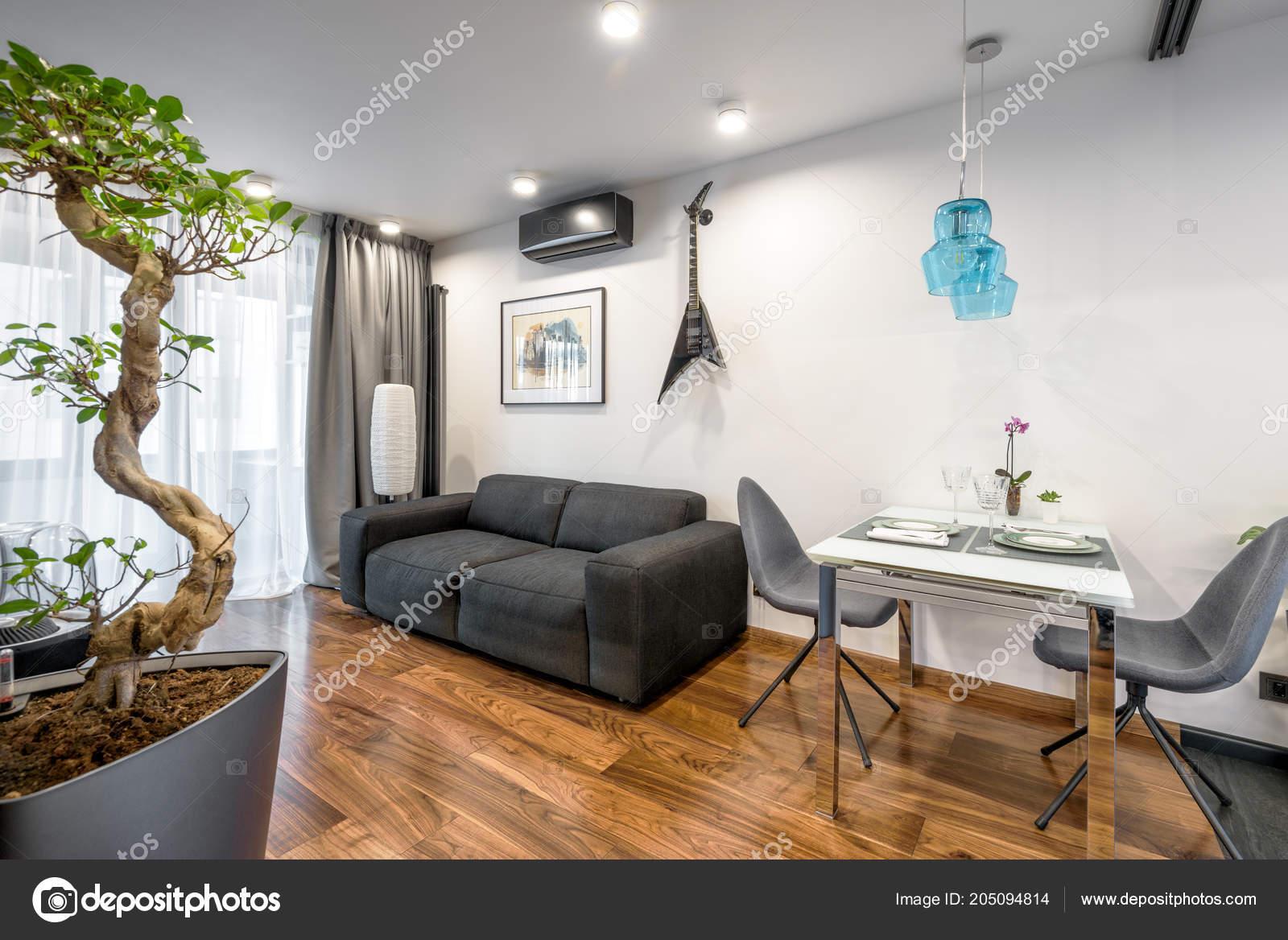 Moscou Mars 2018 Intérieur Maison Moderne Avec Canapé Table ...