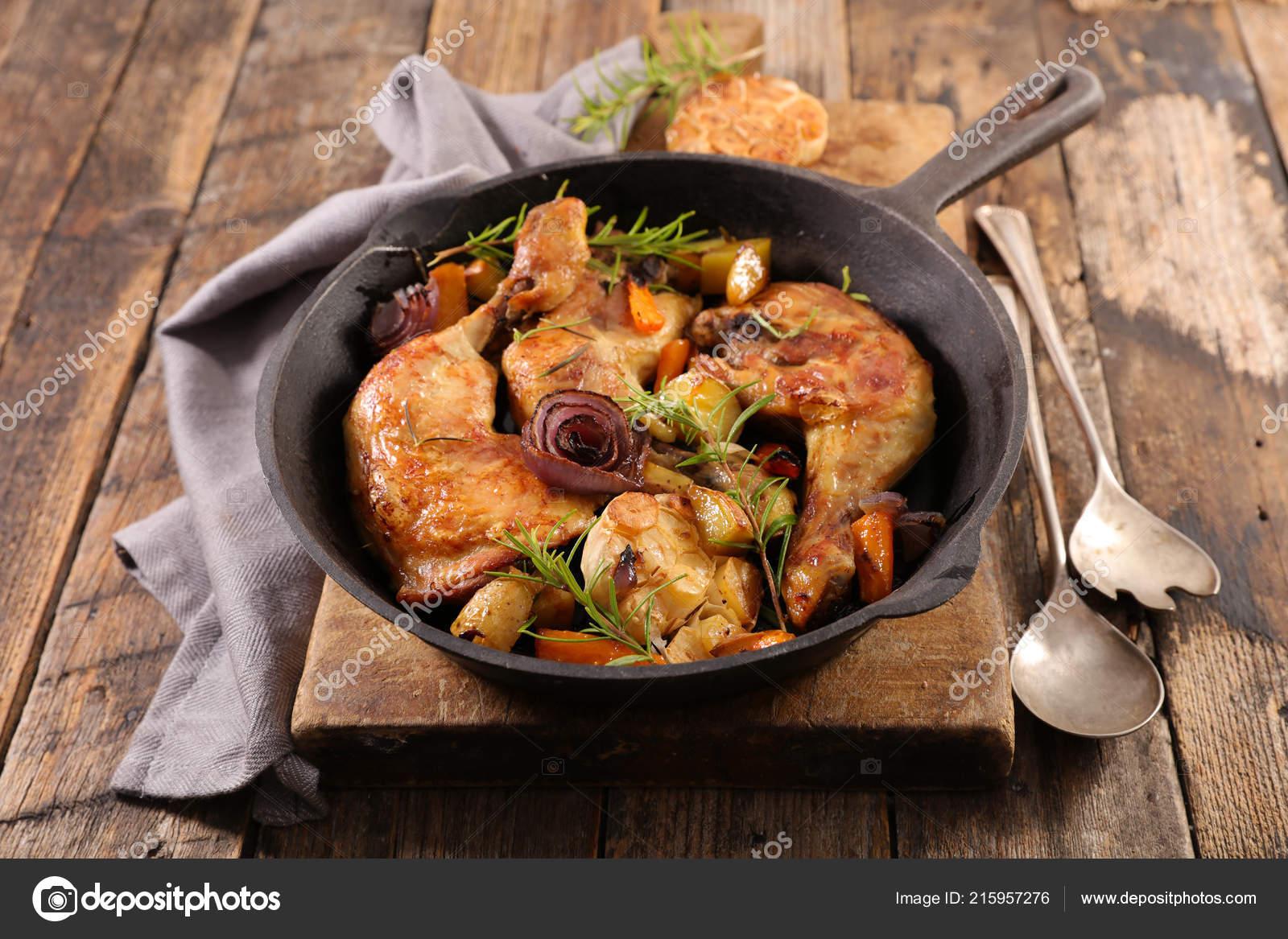 Horno con verduras de pollo muslos al