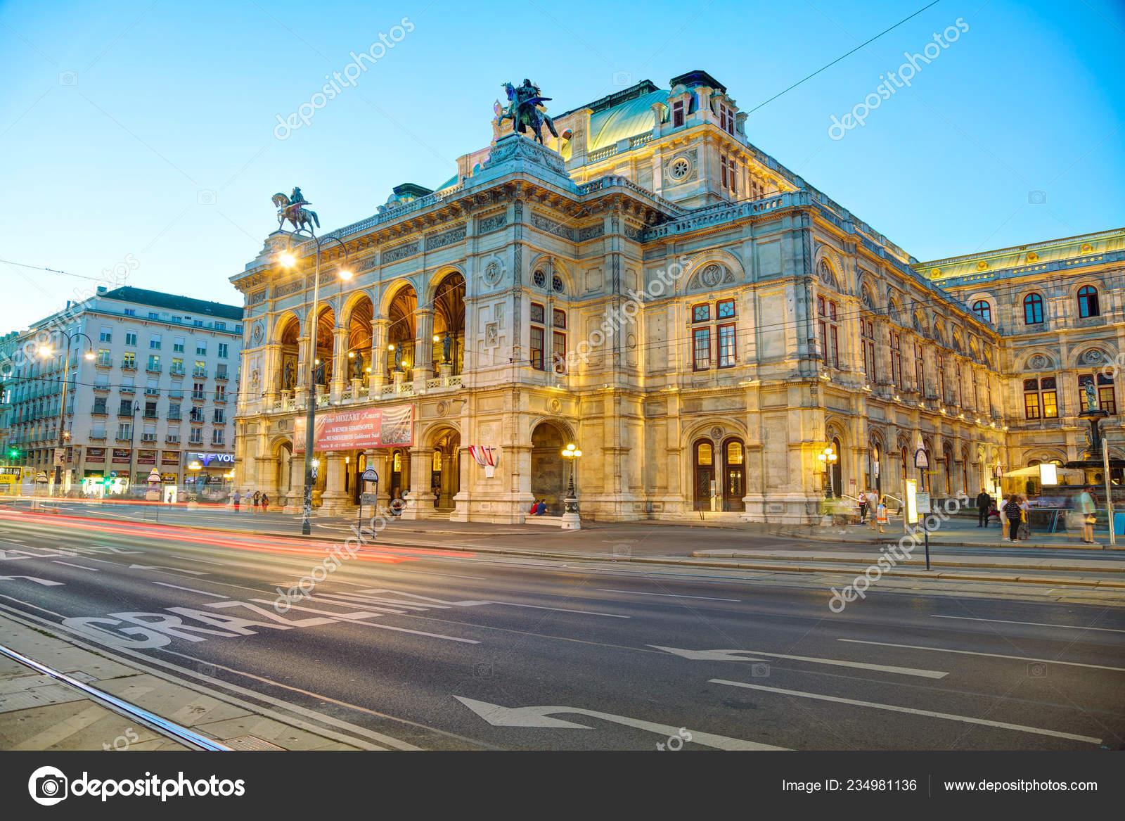 Opera House dating