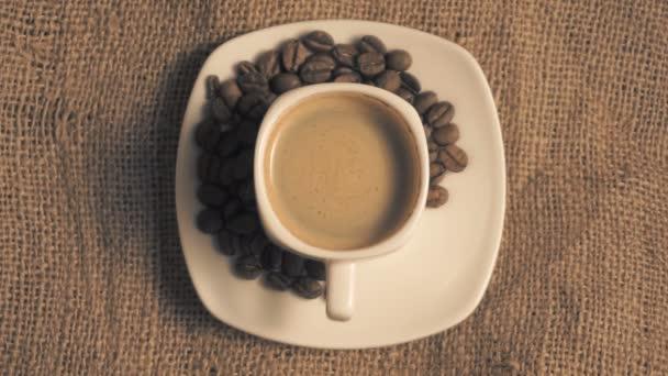 csésze kávé- és babkávé