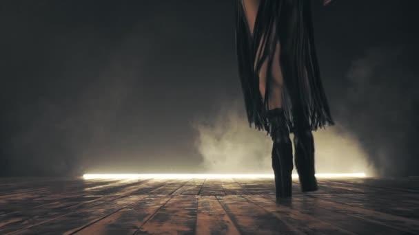 Sexy žena na vysokých podpatcích