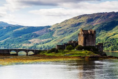 Eilean Donan Castle, Loch Duid, Highlands, Scotland, United Kingdom stock vector