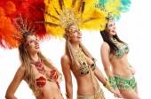Brazilské ženy, tanec samba bílé pozadí