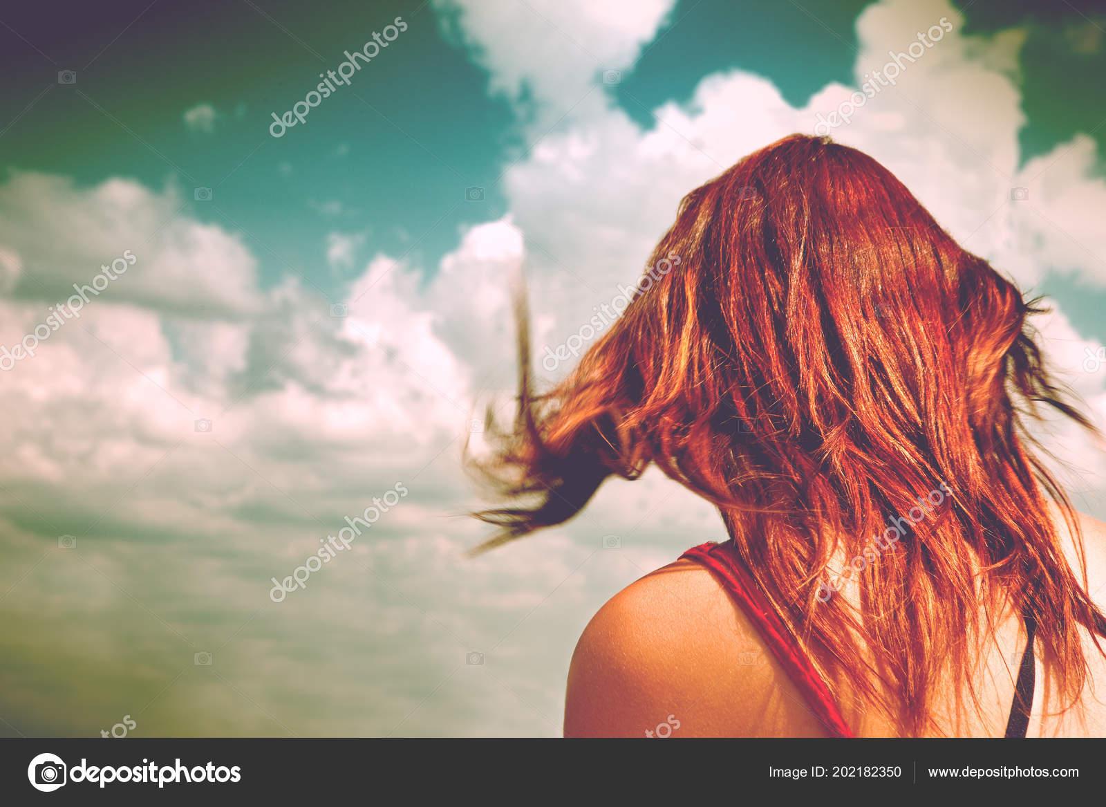 Фото рыжих со спины, зашел в гости к пухлой соседке и трахнул фото