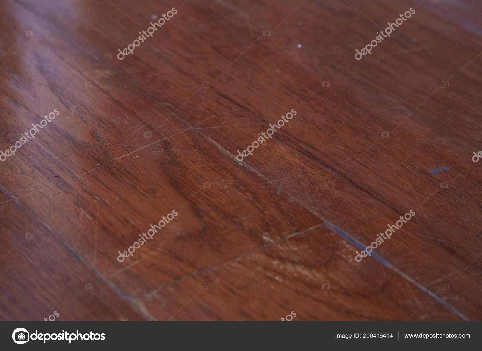 Oude bruine houten vloer parket brown parket met licht u stockfoto