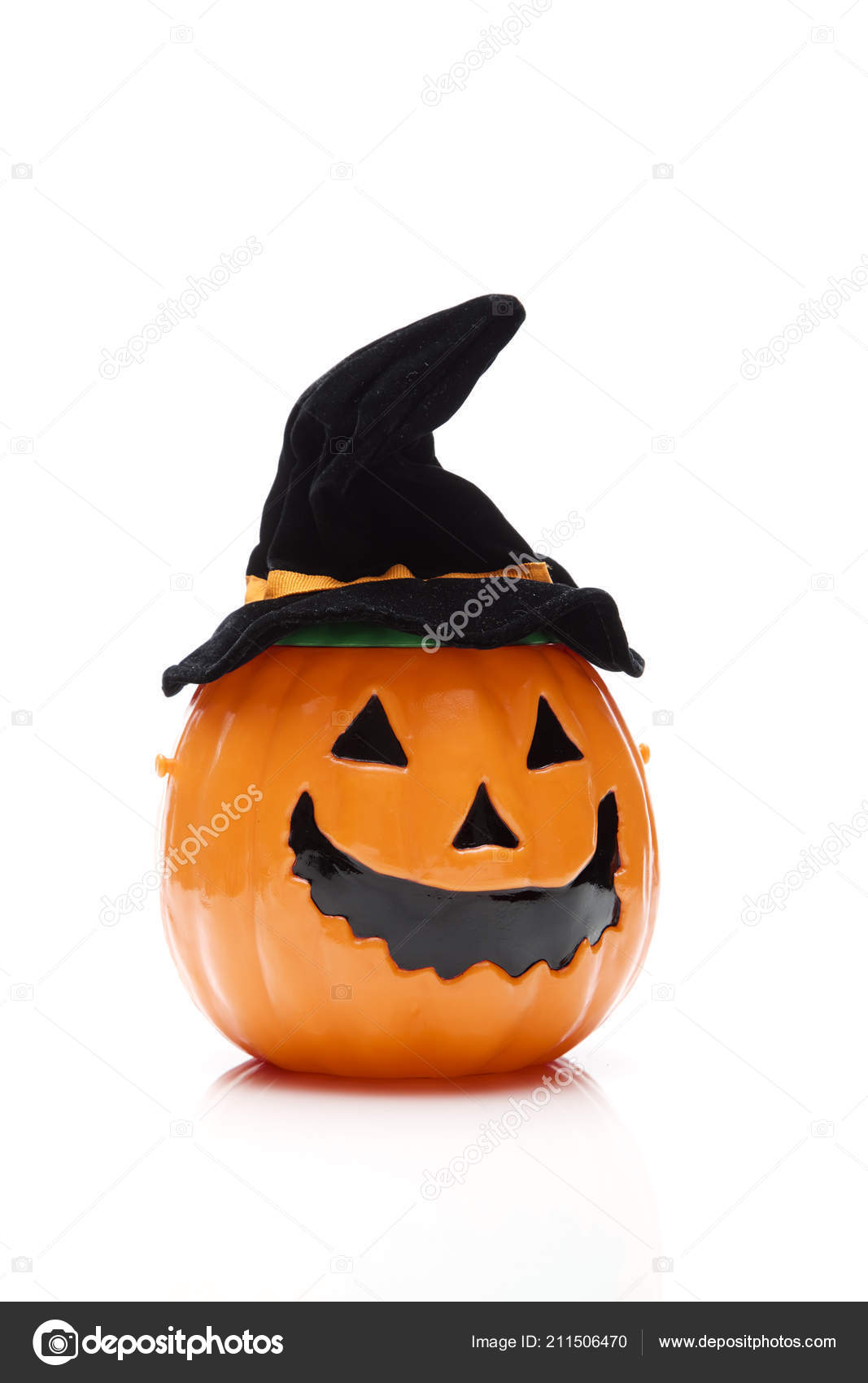 funny halloween pumpkin black hat isolated white background — stock