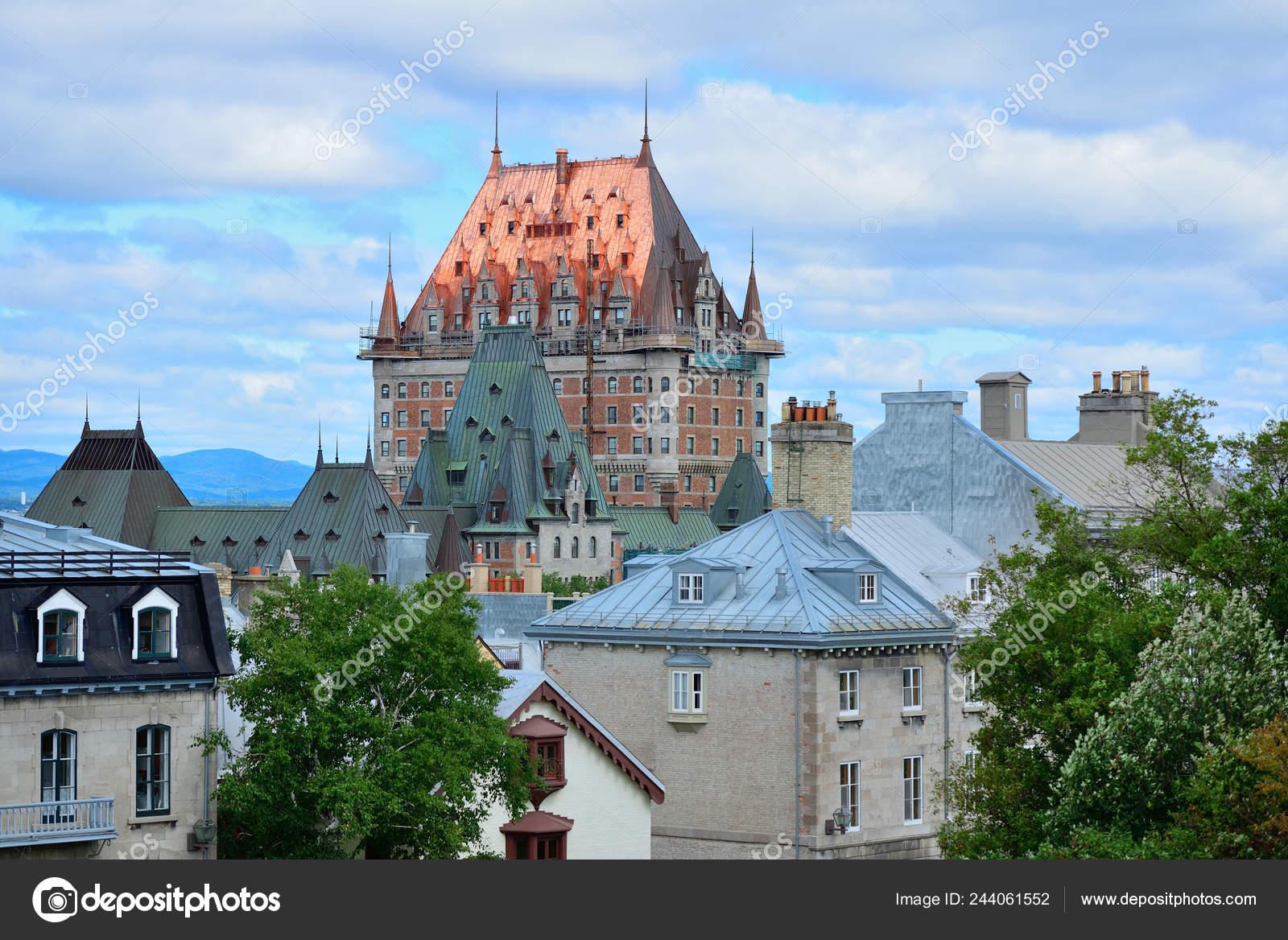 Un Chateau Dans Les Nuages château frontenac dans journée avec ciel bleu nuage québec