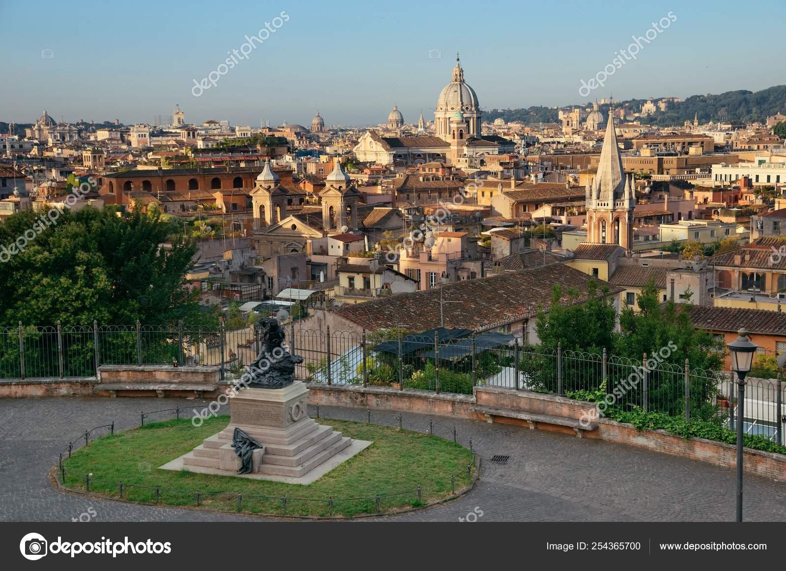 Horizonte Ciudad Roma Con Arquitecturas Históricos Visto
