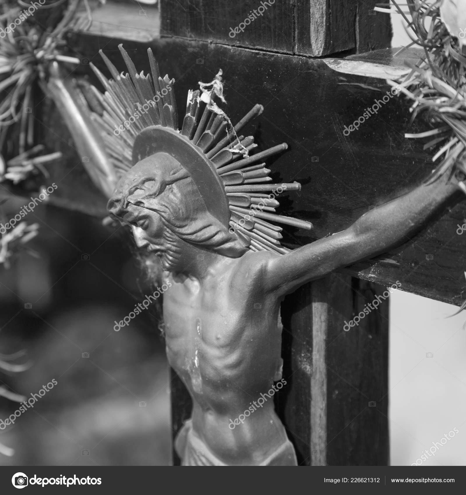 Crucifixion Jesus Christ Symbol Resurrection Immortality Human Soul