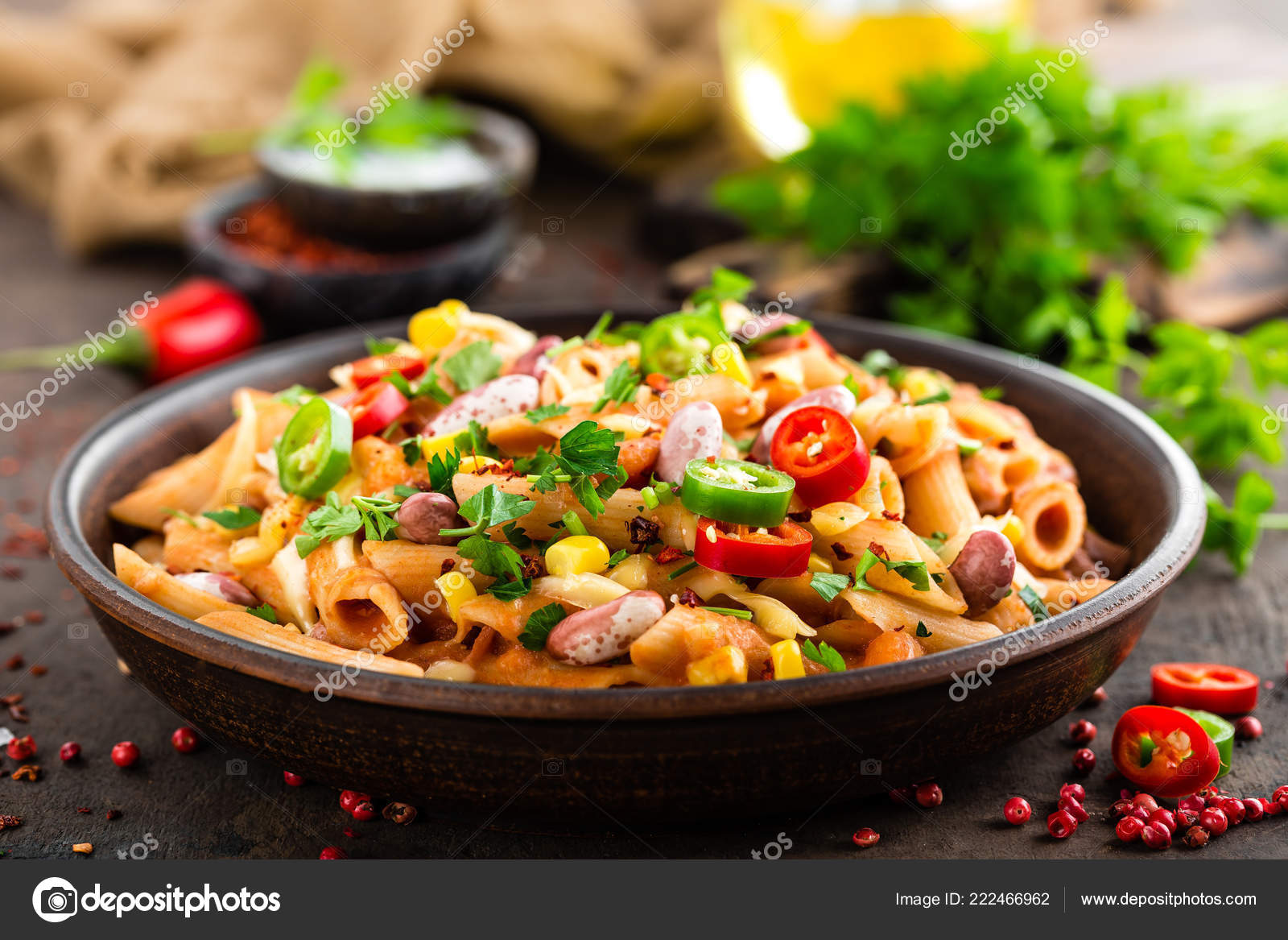 f4cf93975 Spicy Pasta Penne Bolognese Vegetables Beans Chili Cheese Tomato Sauce —  Stock Photo