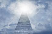 Schodiště, které vedlo k obloze. Schody do nebe