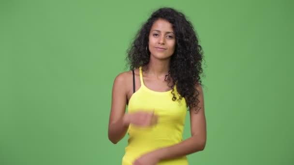 Mladá krásná žena hispánský myšlení